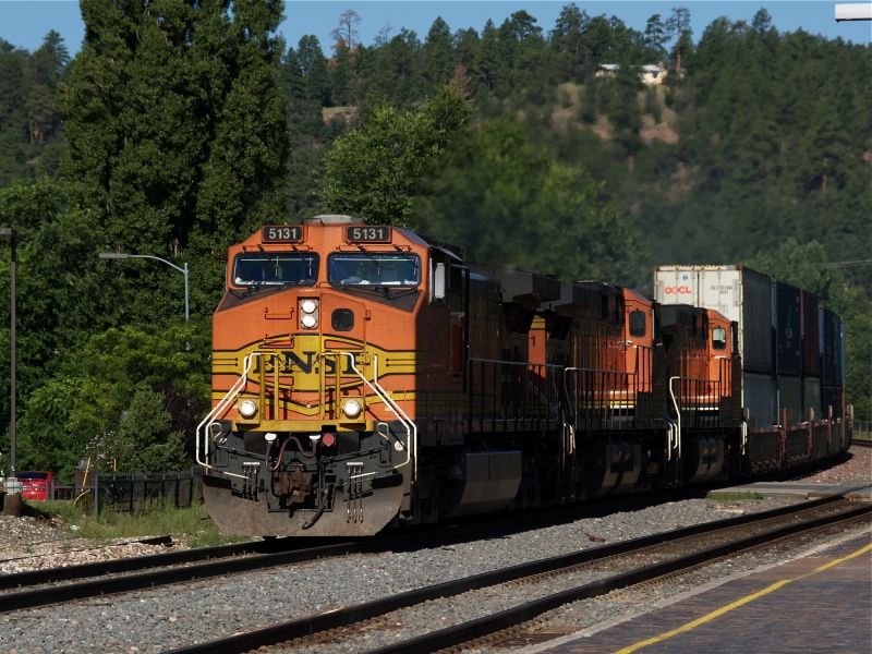 another shot of BNSF No. 5131